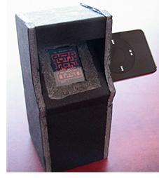 iPod MAME Cabinet (Image courtesy Umlautllama.com)