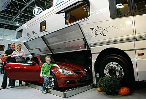 Volkner Mobile RV (Image courtesy The Daily Mail)