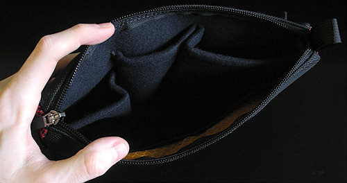 WaterField Designs Large iPod Gear Pouch (Image property of OhGizmo)