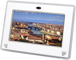 EXEMODE DPS700 LCD Picture Frame (Image courtesy Akihabara News)