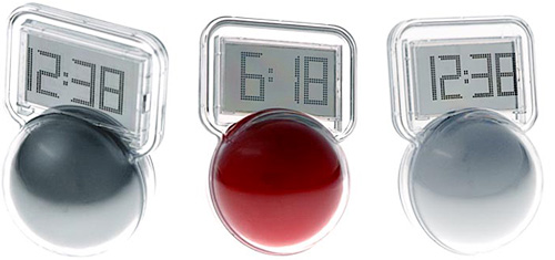 Wobble LCD Clock (Images courtesy Vat19)