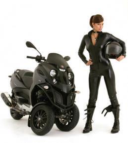 Piaggio Hybrid Scooter (image via Sci Fi Tech)
