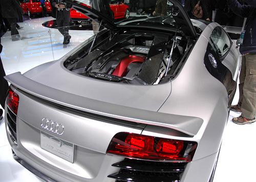 Audi R8 V12 TDI Concept (Image property of OhGizmo!)