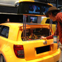 [NAIAS 2008] Scion xD Crane Game Ensures Long Booth Lines