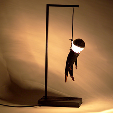Colgao Lamp (Image courtesy enPieza! Studio)