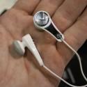 iFeelU Force Feedback Earphones May Snap Your Neck