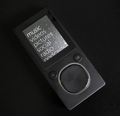 Microsoft Zune 8GB (Image property of OhGizmo!)
