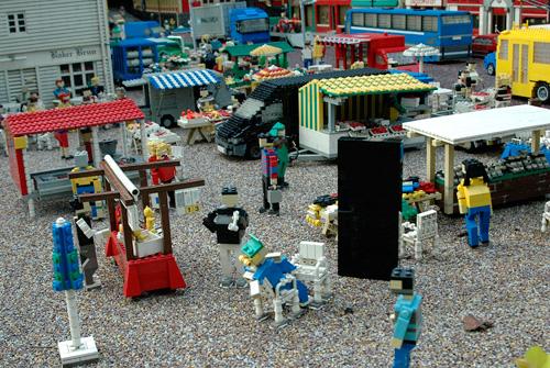 Kenn Munk's LEGO Sentinel (Image courtesy Kenn Munk)