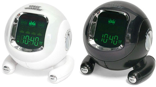 Space Invaders Alarm Clock (Image courtesy Japan Trend Shop)