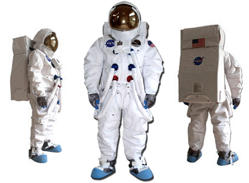 Apollo 11 Spacesuit Replica (Images courtesy The Space Store)