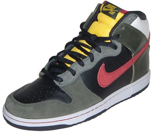 Nike Dunk High Premium SB Boba Fett (Image courtesy UpTempoAir.com)