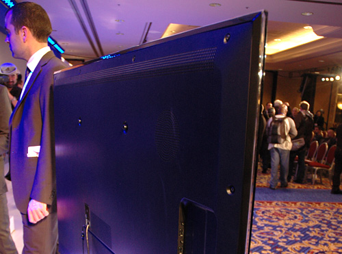Samsung LCD Mounts (Image property OhGizmo!)