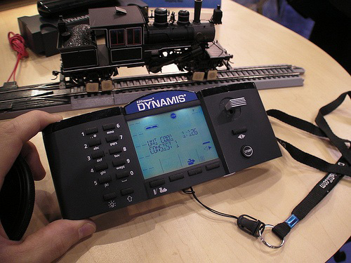 E-Z Command Dynamis Wireless Infrared DCC System (Image courtesy MAKE: Blog)