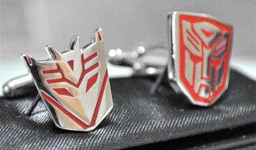 Silver Plated Transformer AUTOBOTS and DECEPTICON Cufflinks (Image courtesy finkstudio)