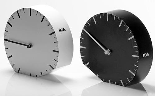 Ora ilLegale Clocks (Image courtesy Yanko Design)
