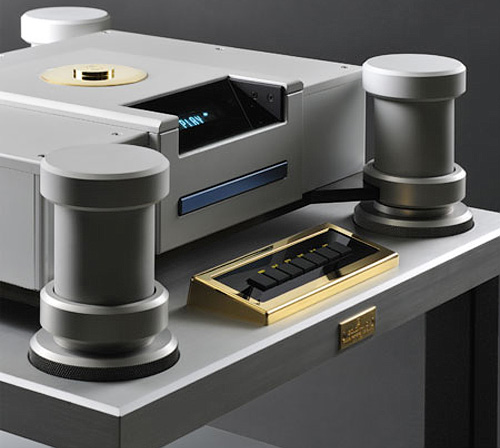 Goldmund Eidos Reference Blue Blu-ray Player (Image courtesy UltimateAVmag.com)