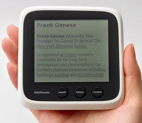 WikiReader (Image courtesy Openmoko)