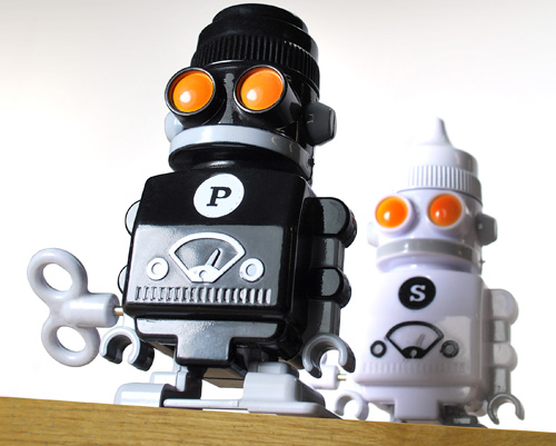 Salt & Pepper Bots (Image courtesy SUCK UK)