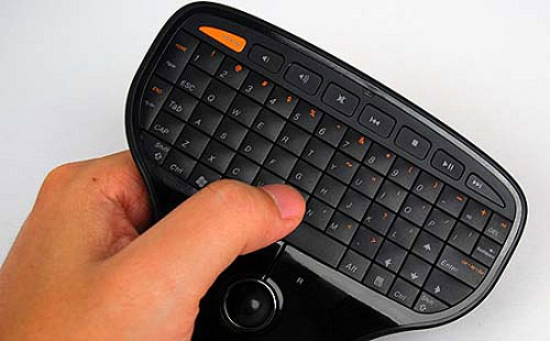 living room keyboard and mouse lenovo releases keyboard mouse combo for living room use 20509