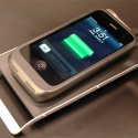 [CES 2010] Case-Mate iPhone Wireless Charging Pad & Case