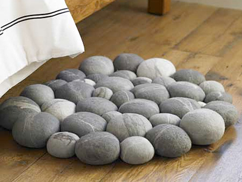 Clustered Felted Stone Mat (Image courtesy VivaTerra)