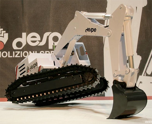 RC Despe EC280MG Excavator (Image courtesy Hobby Media)