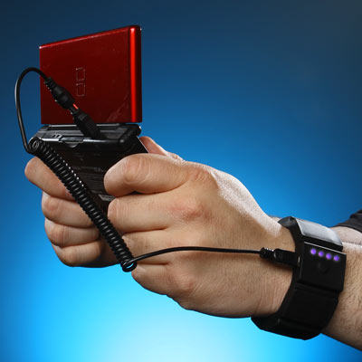 universal-wrist_charger_gaming