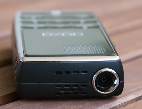 AAXA L1 Laser Pico Projector (Image property OhGizmo!)