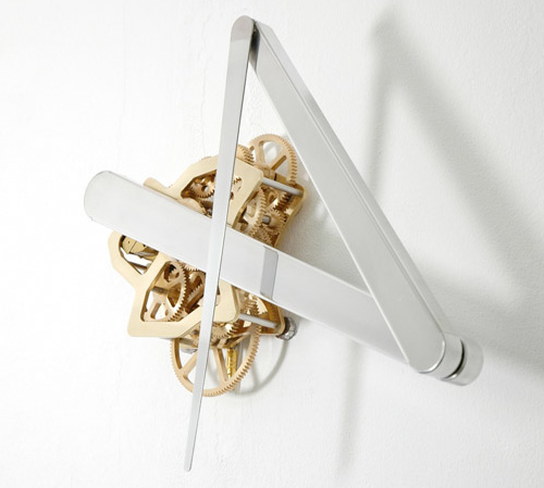 Continue Time Kinetic Sculpture Clock (Image courtesy Sander Mulder)