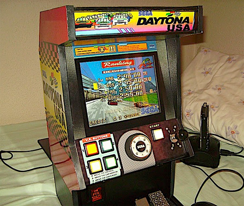 Daytona USA Mini (Image courtesy pocket_lucho)