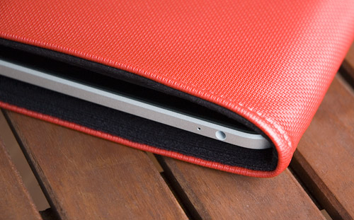 WaterField Designs iPad Slip Case & Suede Jacket (Image property OhGizmo!)