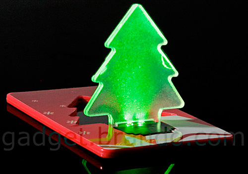 Personal Credit Card Christmas Tree (Image courtesy Gadgets.brando.com)