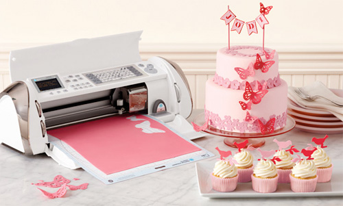 Cricut Cake (Image courtesy Provo Craft & Novelty)