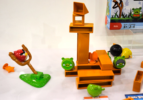 Angry Birds Knock On Wood Game (Image property OhGizmo!)