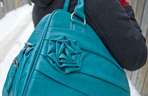 Jo Totes Stylish Rose Camera Bag (Image property OhGizmo!)