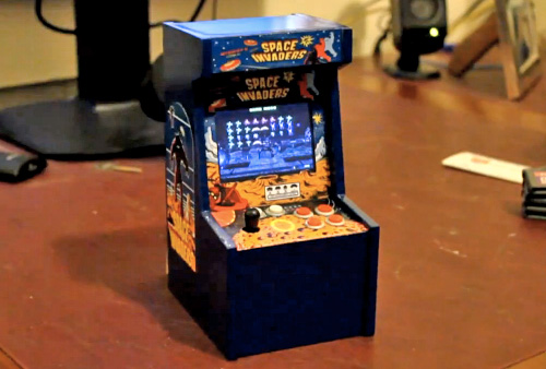 Space Invaders Mini Arcade Cabinet (Image courtesy vcoleiro1)