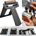 Carzor – An Emergency Credit Card Sized Razor & Mirror