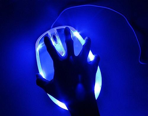 http://www.ohgizmo.com/wp-content/uploads/2011/10/giant_usb_mouse_brando_1.jpg