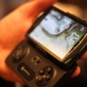 [CES 2012] Gametel Controller Brings Physical Gamepad To Mobile Devices