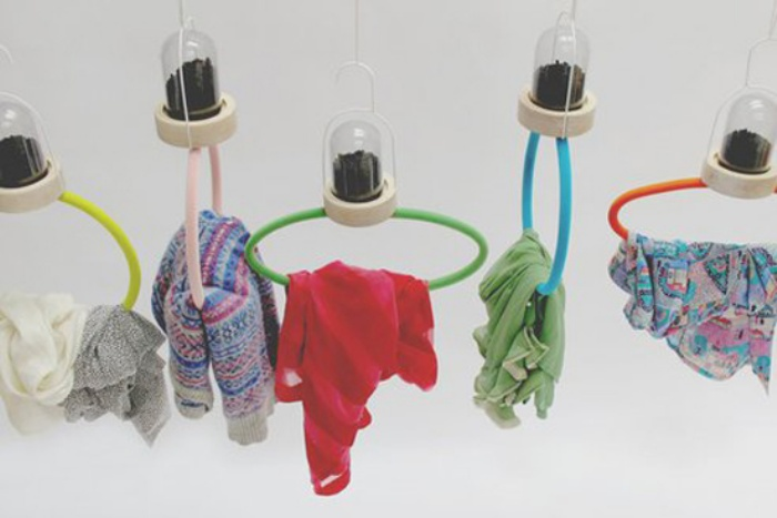 Odor-cleansing hangers
