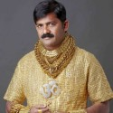 Major Fail: Dude Has $230,000 Gold Shirt Made to Appeal to the Ladies