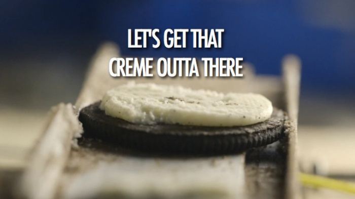 Oreo Creme Remove Machine