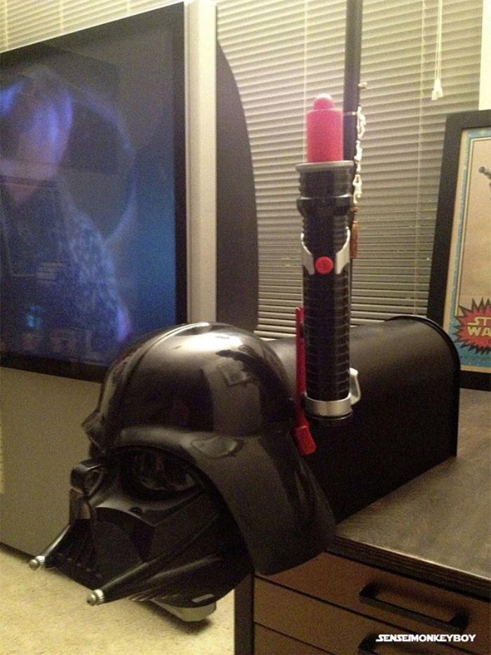 Darth Vader Mailbox2