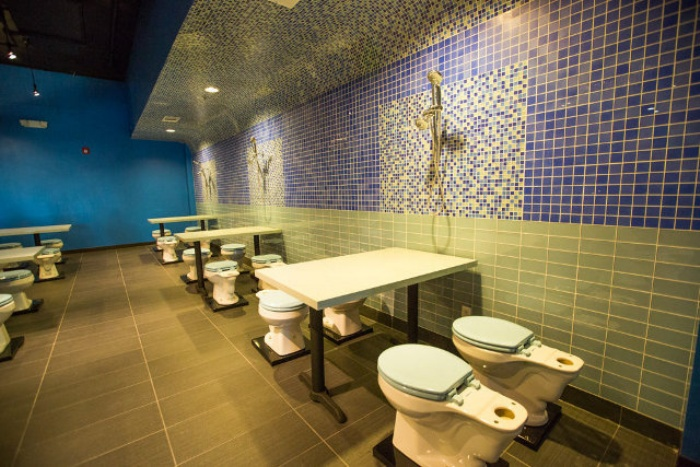 Grody Toilet Restaurant2