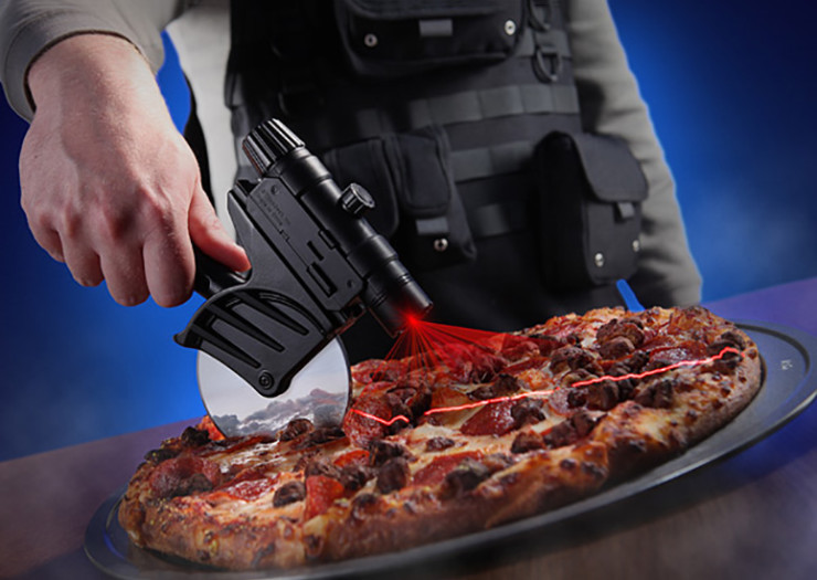 tactical-laser-guided-pizza-cutter-xl