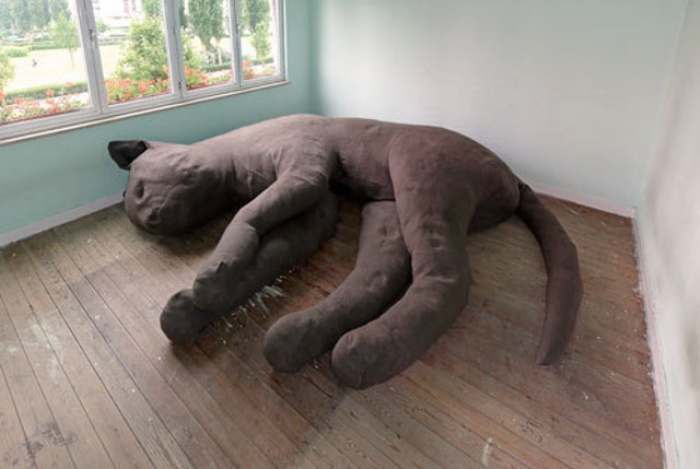 This Giant Cat Couch is For Both Cats and Humans : OhGizmo!