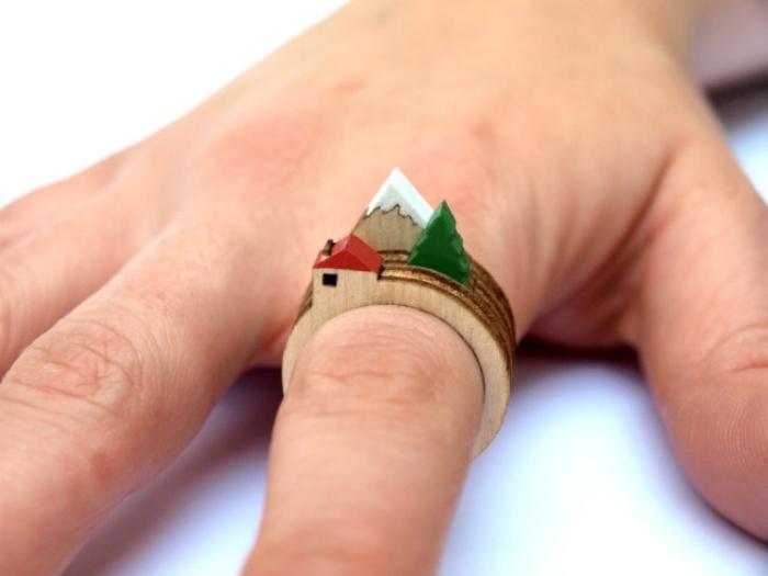 Diorama Rings