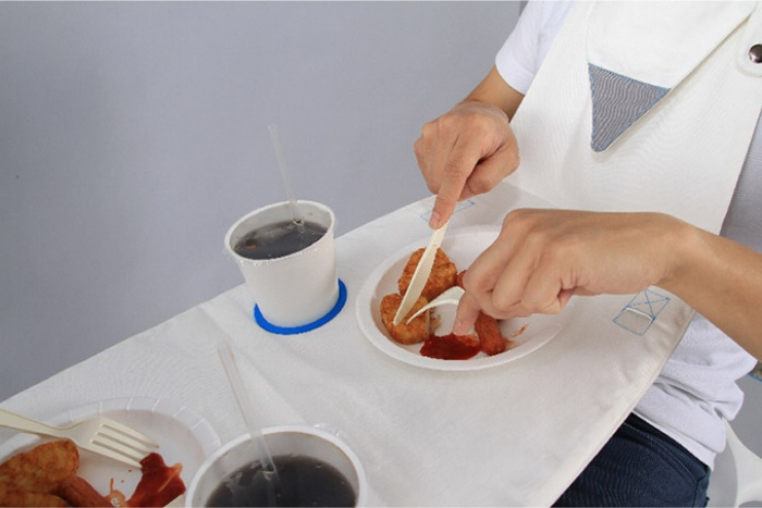 Foldable Napkin Table1