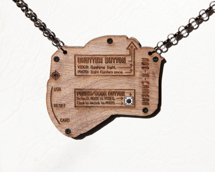 Wooden Camera Necklace1