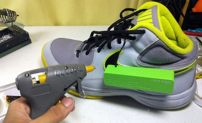 Power-Generating-Shoes_2